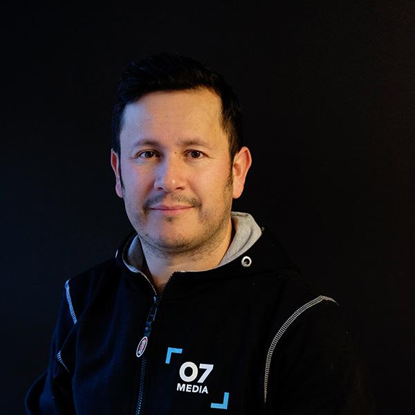 Marcos Arévalo Lizama : Produksjonsmedarbeider